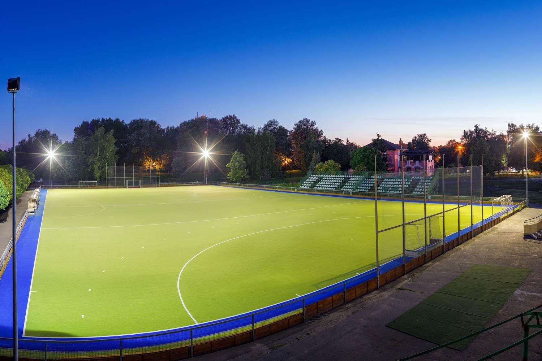 lichtanlagen led sportplaetze feldhockey