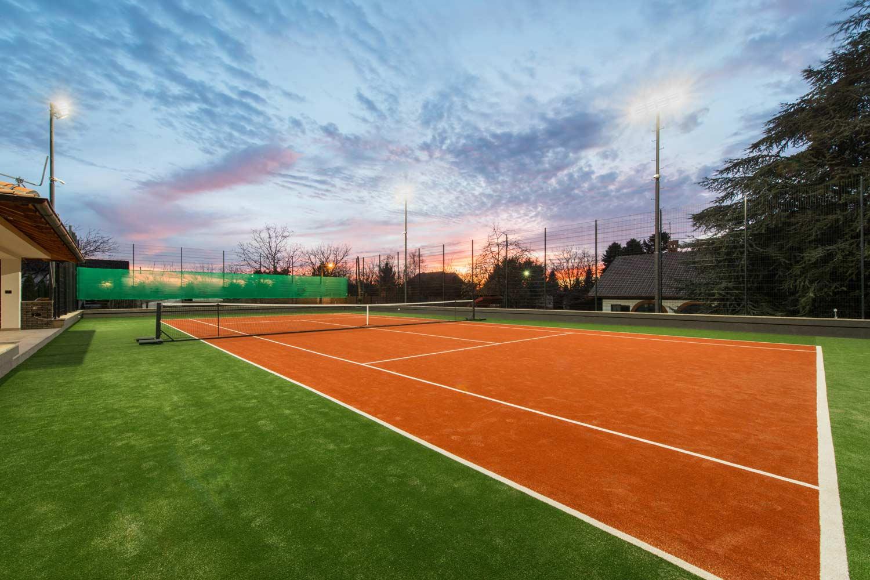lichtanlagen led sportplaetze tennis outdoor